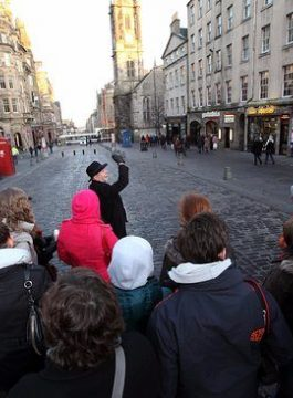Hello walking tour in edinburgh - Als Groep Op Reis