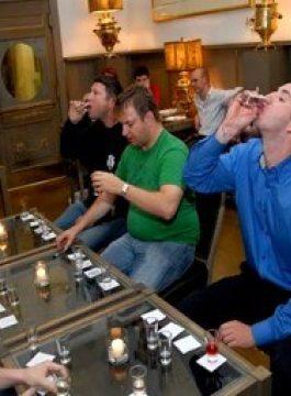Vodkaa museum tasting - Als Groep Op Reis